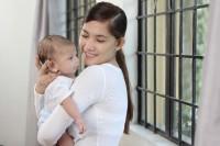 乳幼児と母